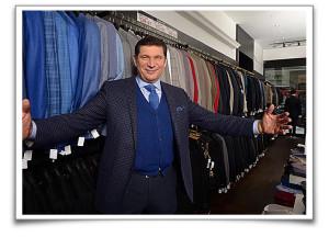 tom-mihalik-in-store