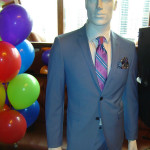 blue-suit-stripe-tie